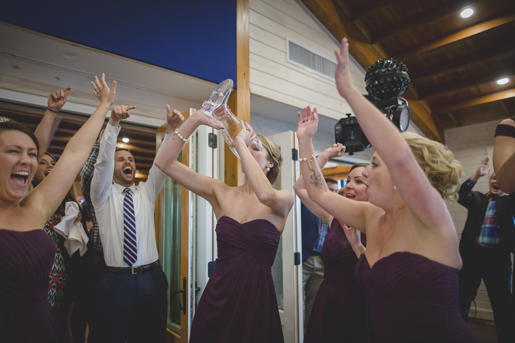 north woods cabin wedding photography-23.jpg