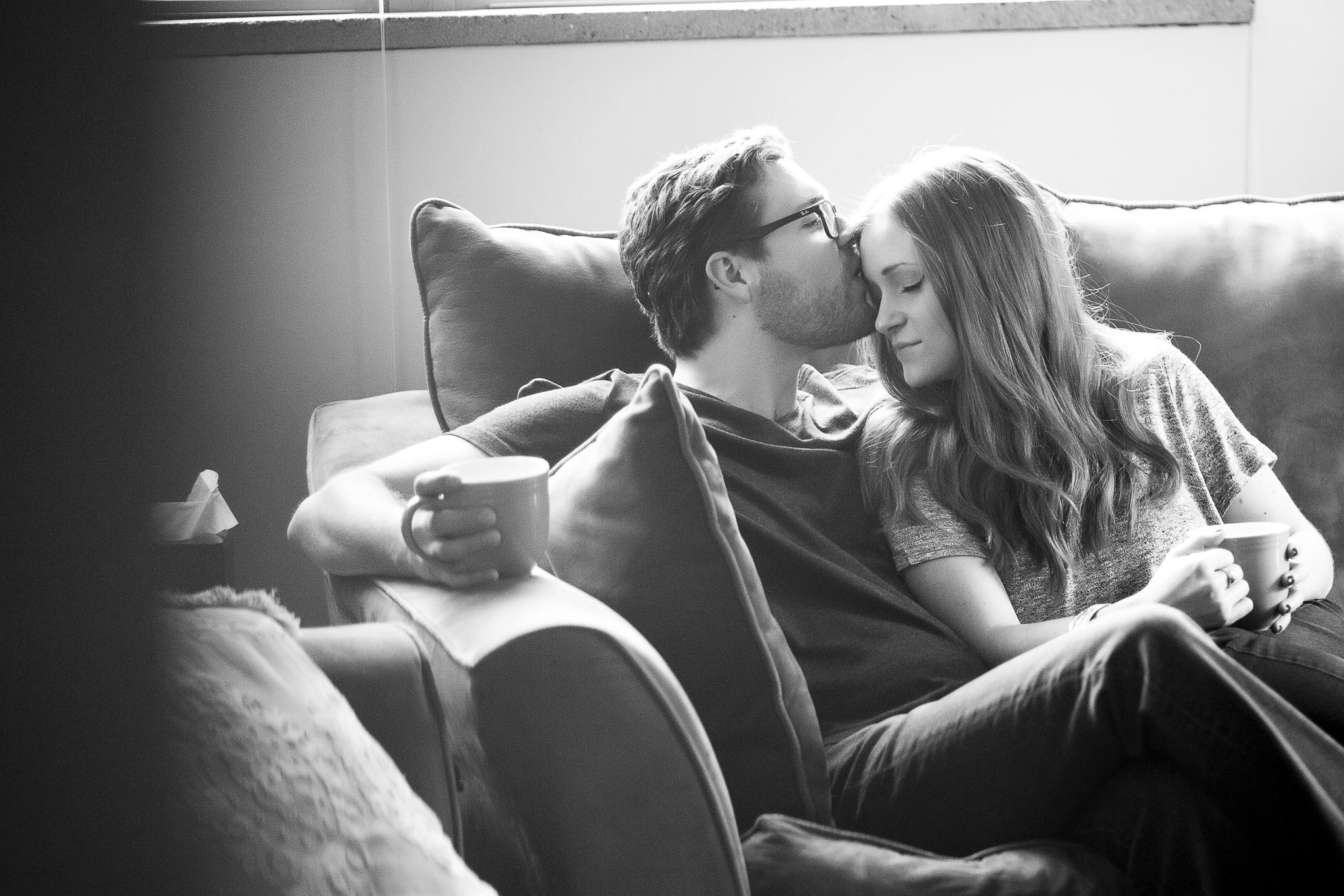 minneapolis in home engagement session-3.jpg
