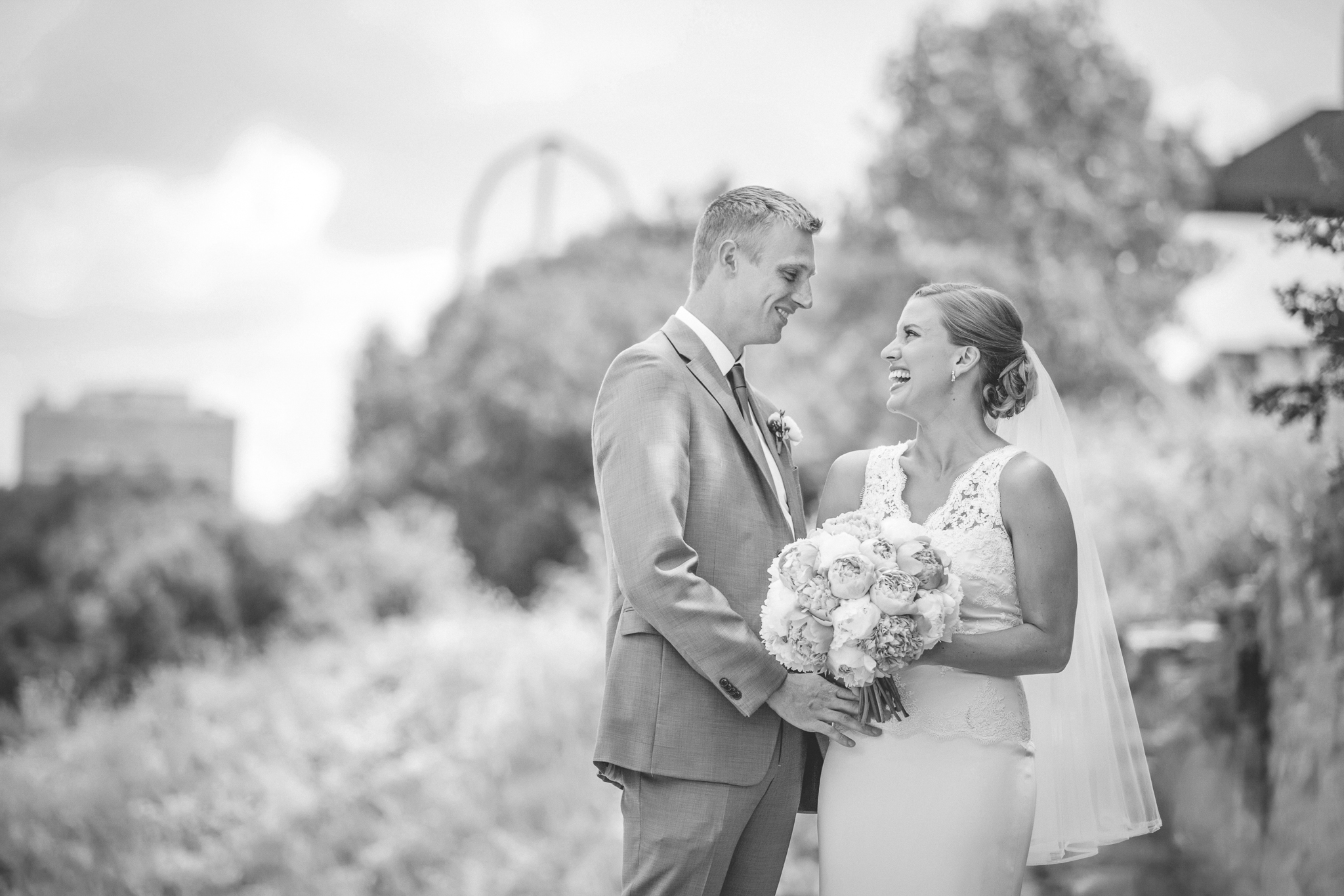 minneapolis central library mintahoe wedding photography-17.jpg