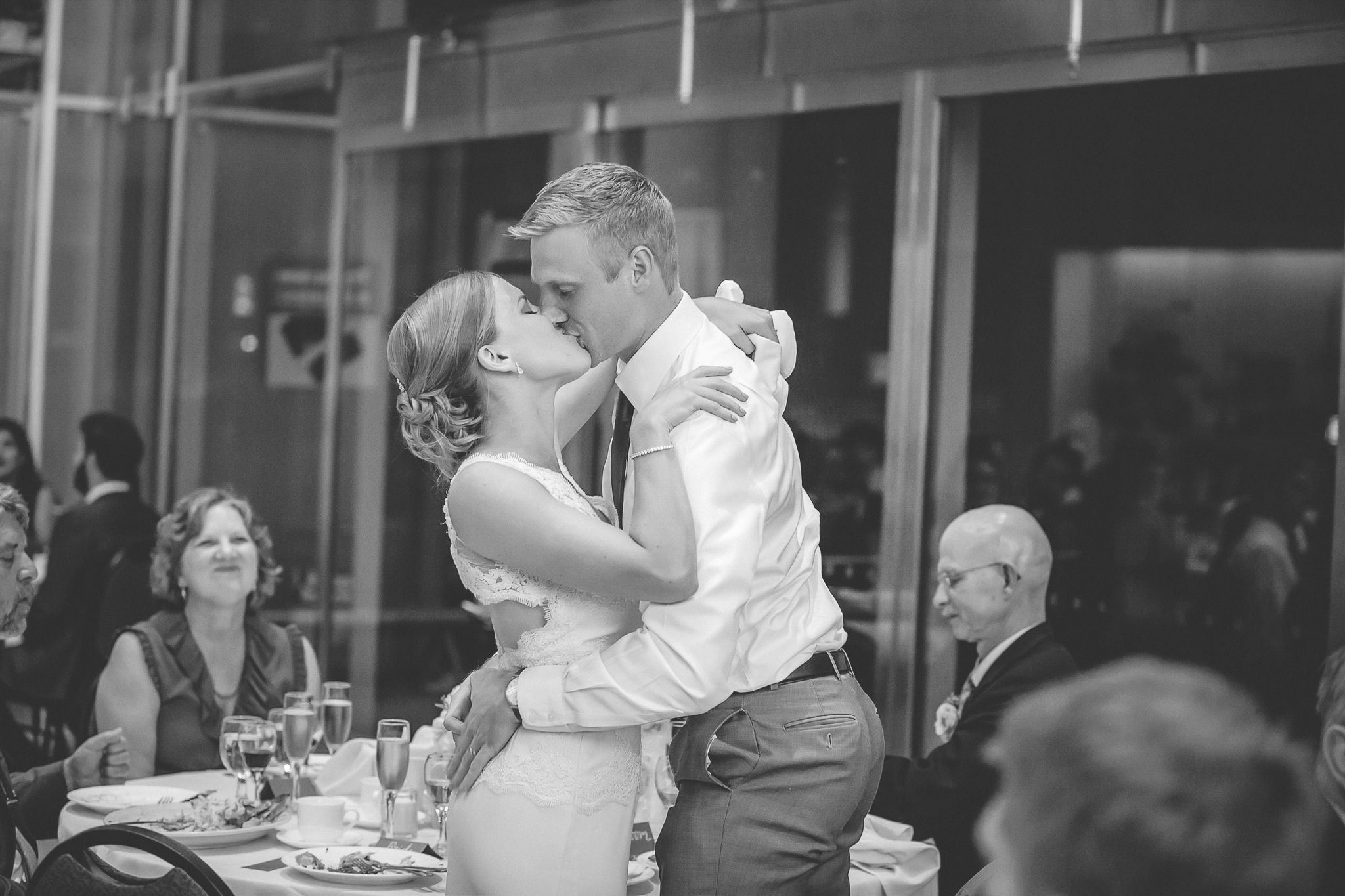 minneapolis central library mintahoe wedding photography-61.jpg