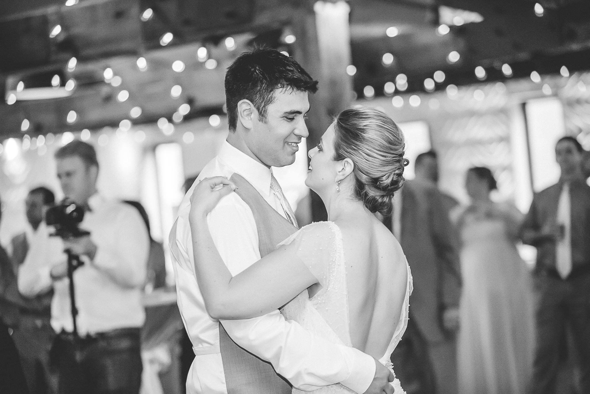 minneapolis event center wedding photographer-21.jpg