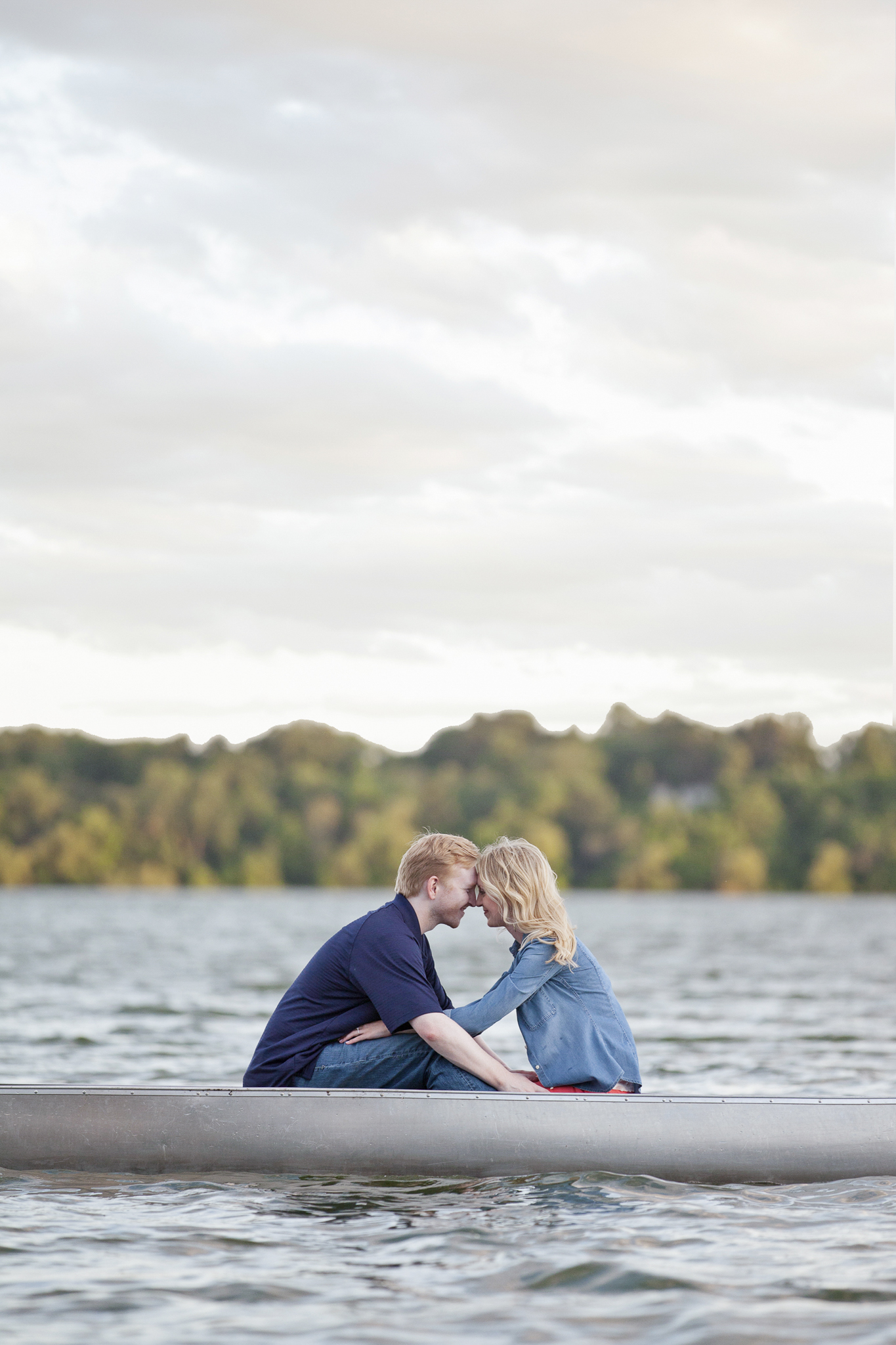 lake harriet minneapolis canoe engagement session-10.jpg
