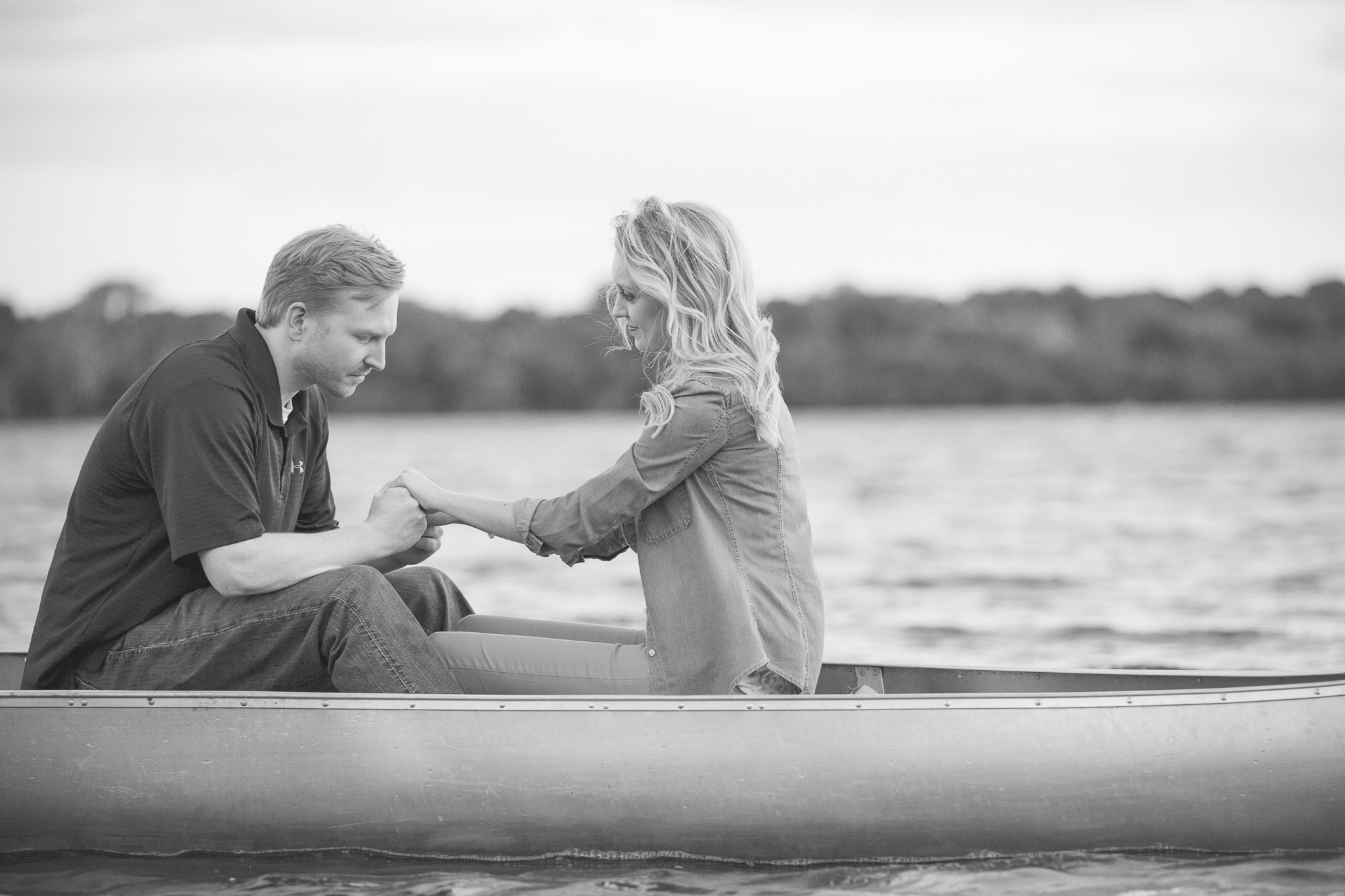 lake harriet minneapolis canoe engagement session-12.jpg