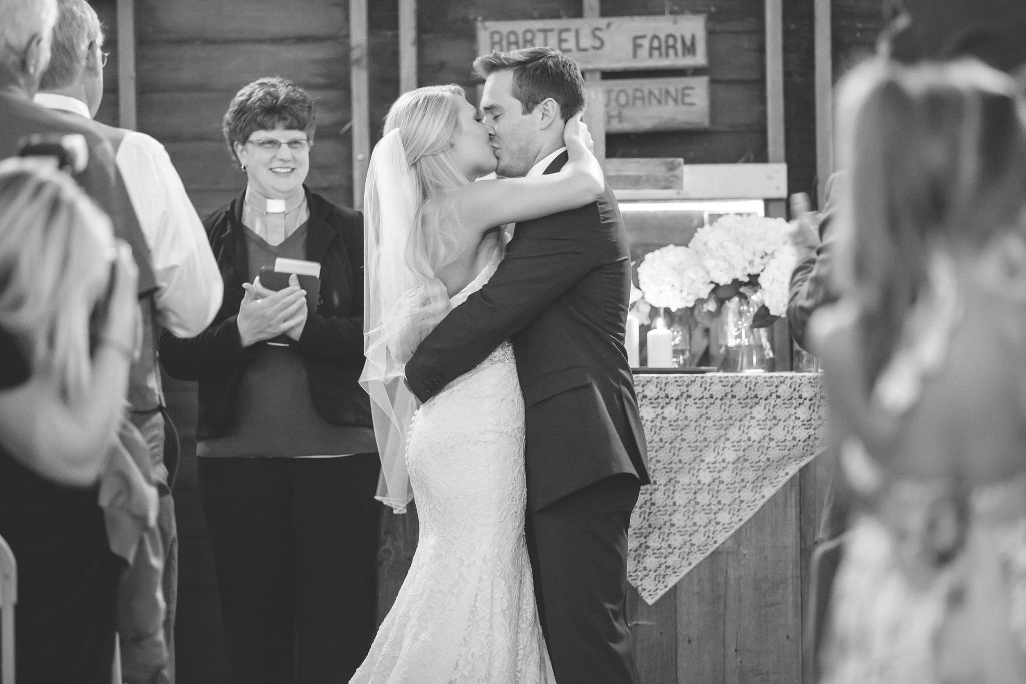 family farm minnesota wedding photography-8.jpg