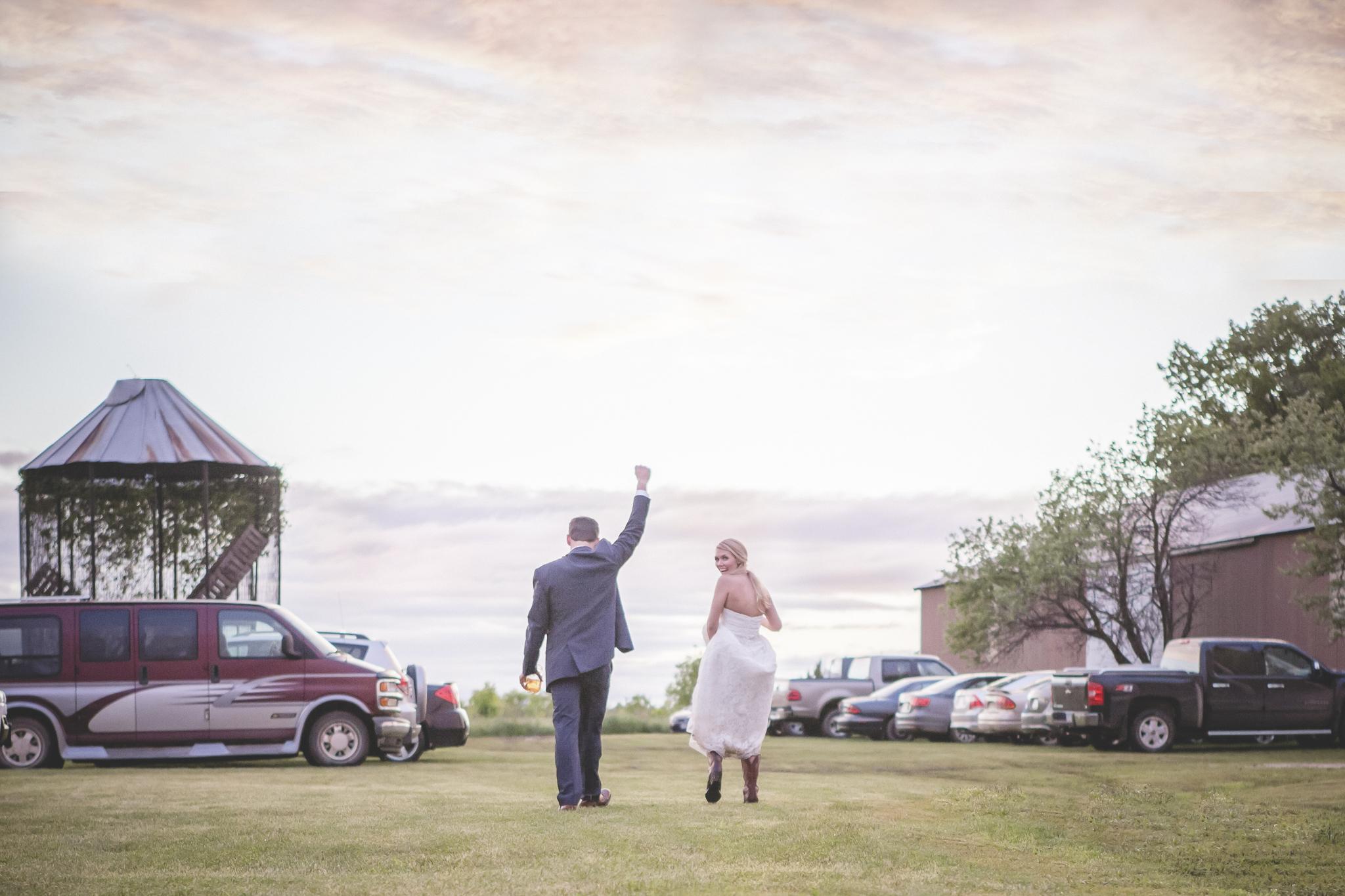 family farm minnesota wedding photography-20.jpg