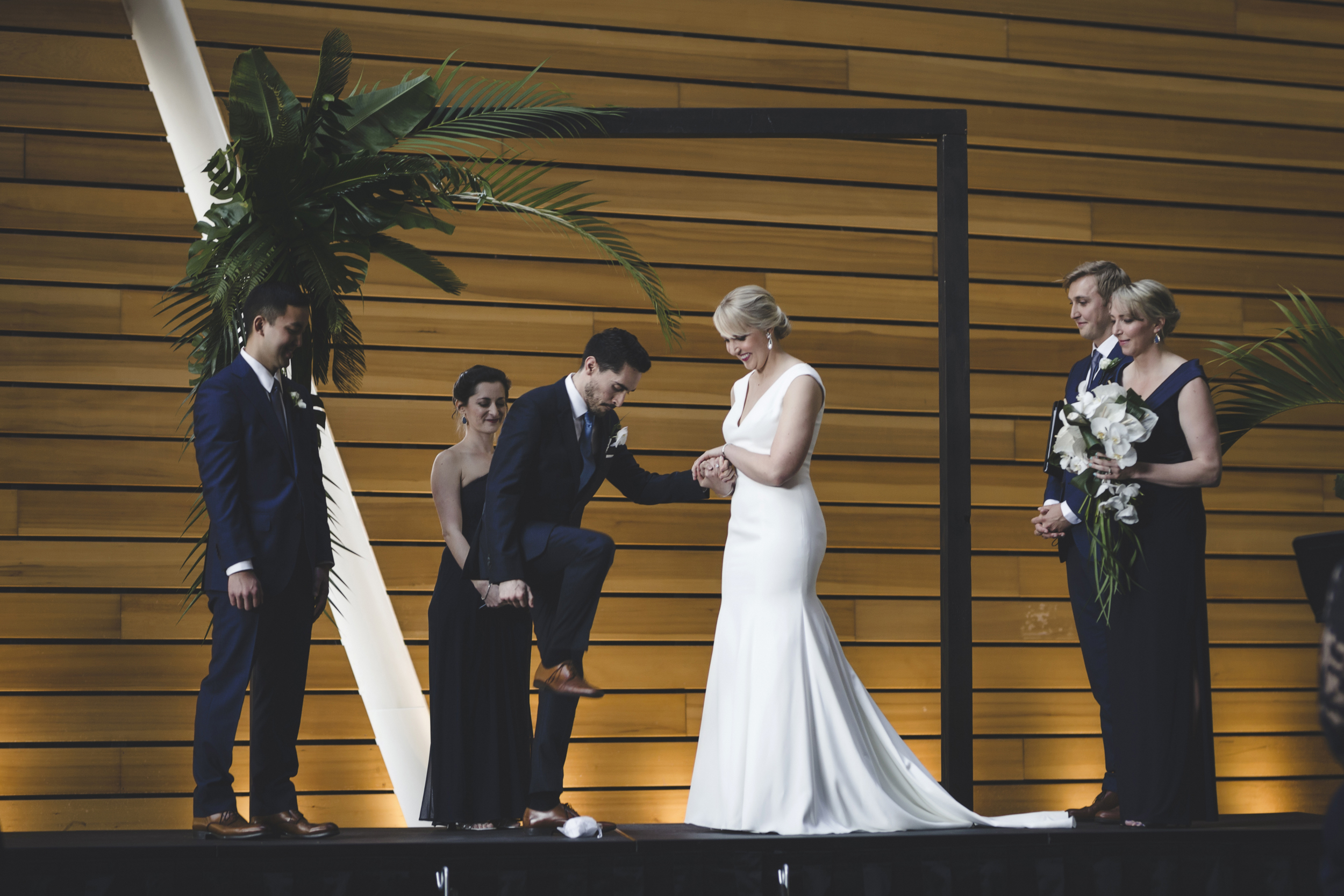 McNamara Alumni Center Minneapolis Wedding Photographer-30.jpg