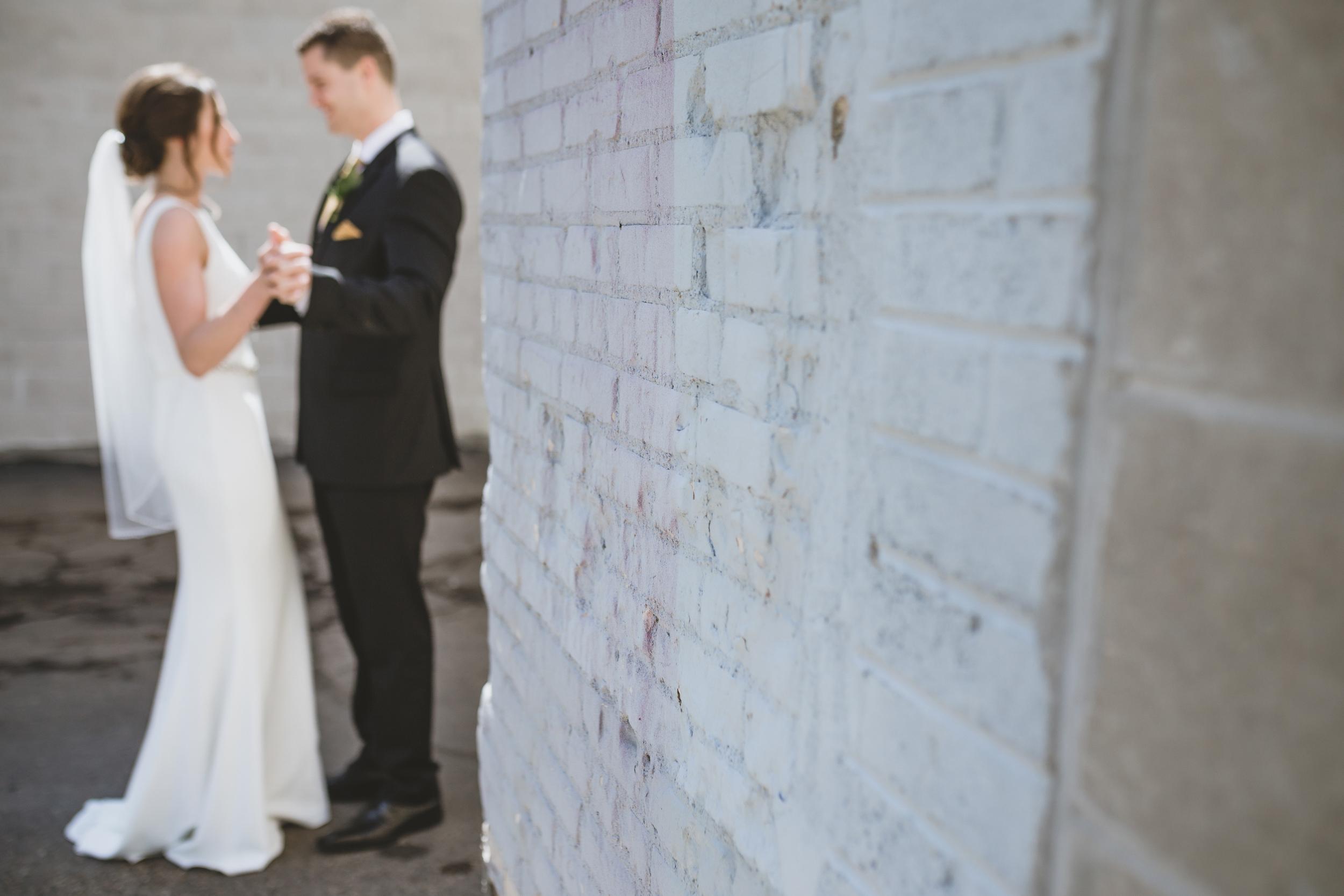 five event center uptown minneapolis wedding-15.jpg