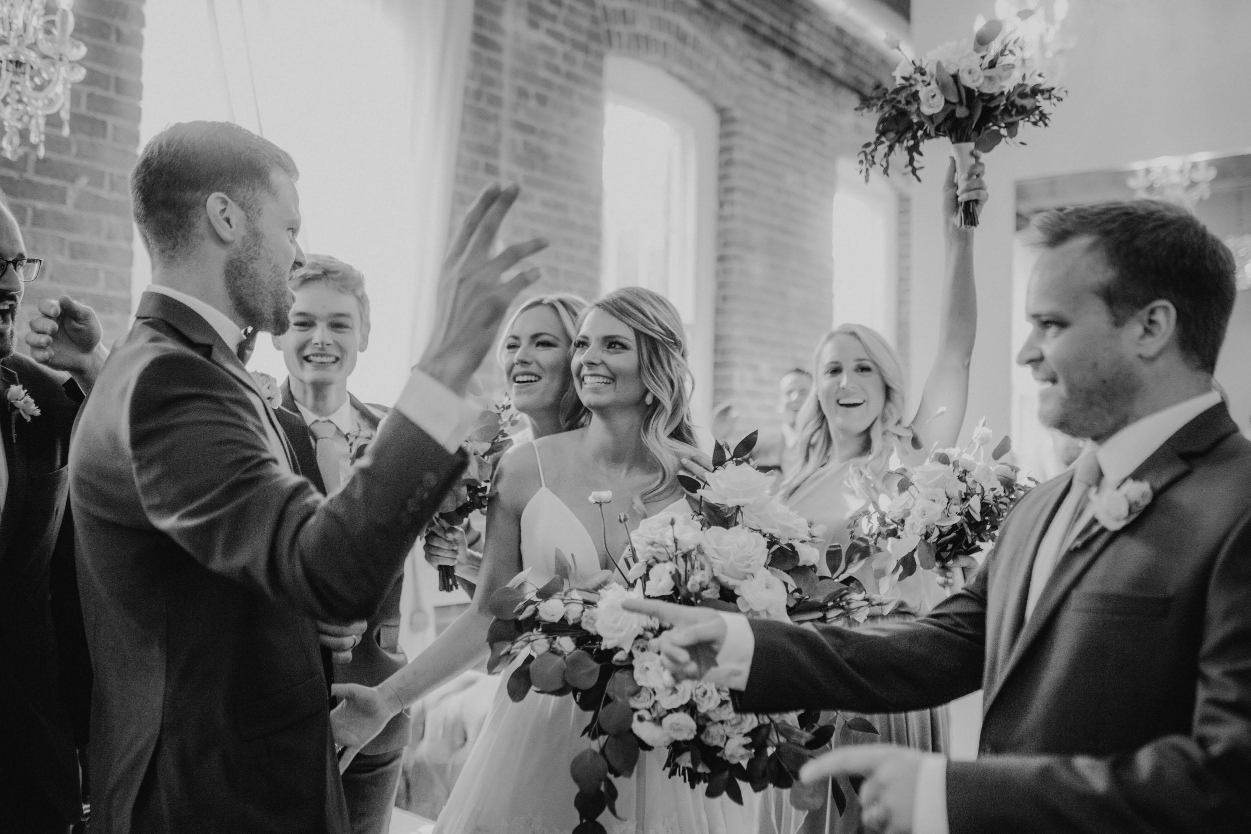 20-minneapolis documentary wedding photographer-4.jpg