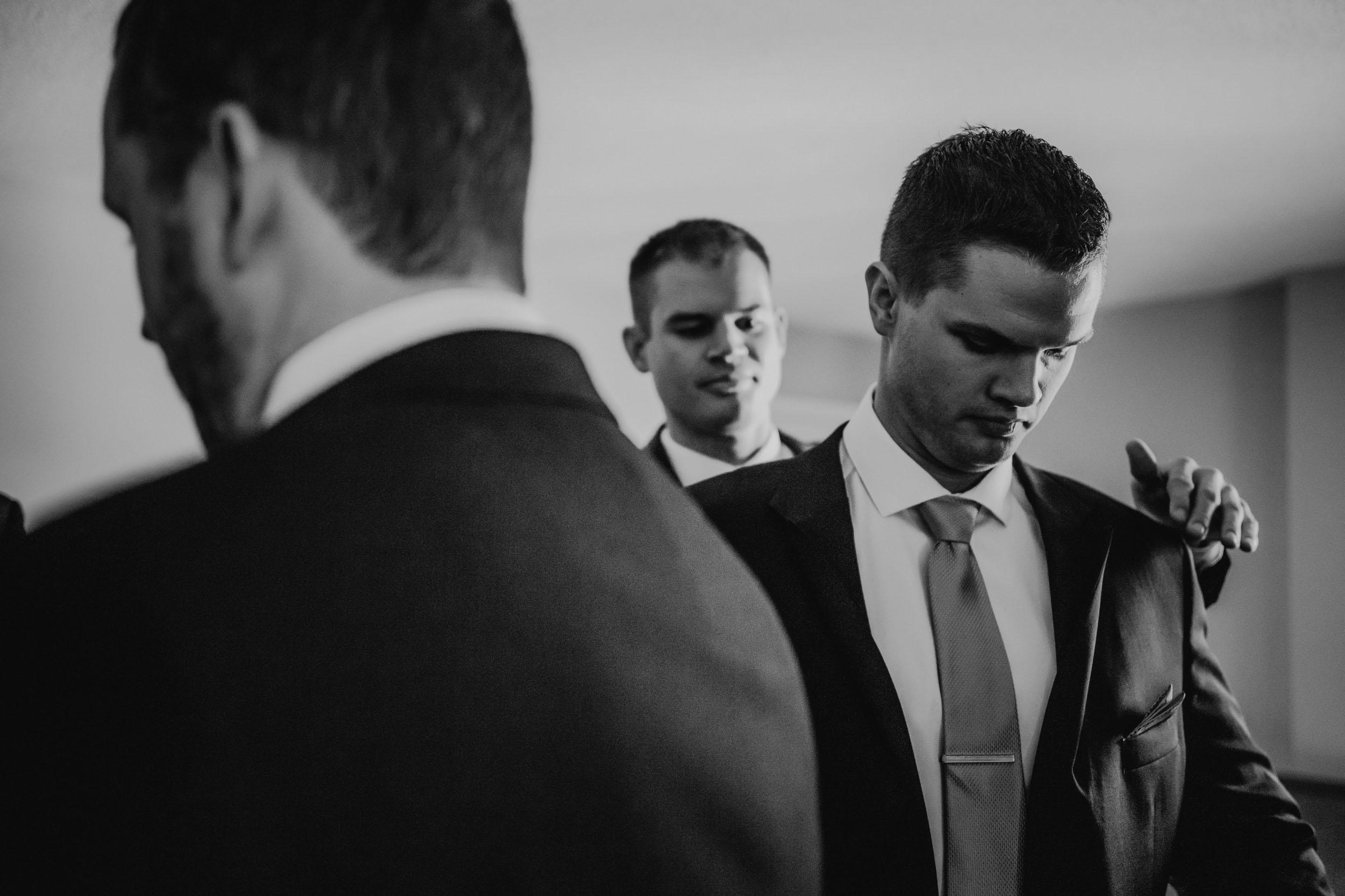 31-best minneapolis documentary wedding photographer-1.jpg
