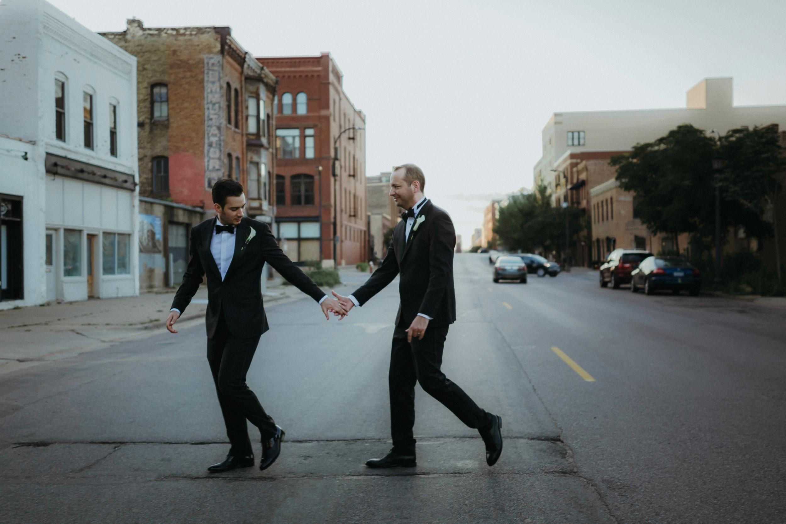 22-minneapolis same sex wedding photographer-1.jpg