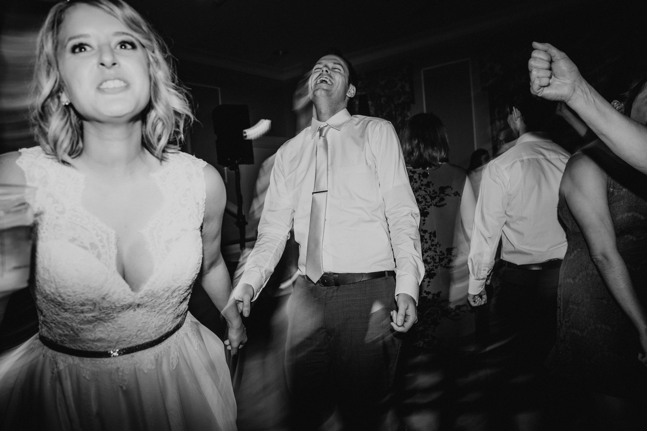 82-best minneapolis candid documentary wedding photographer-13.jpg