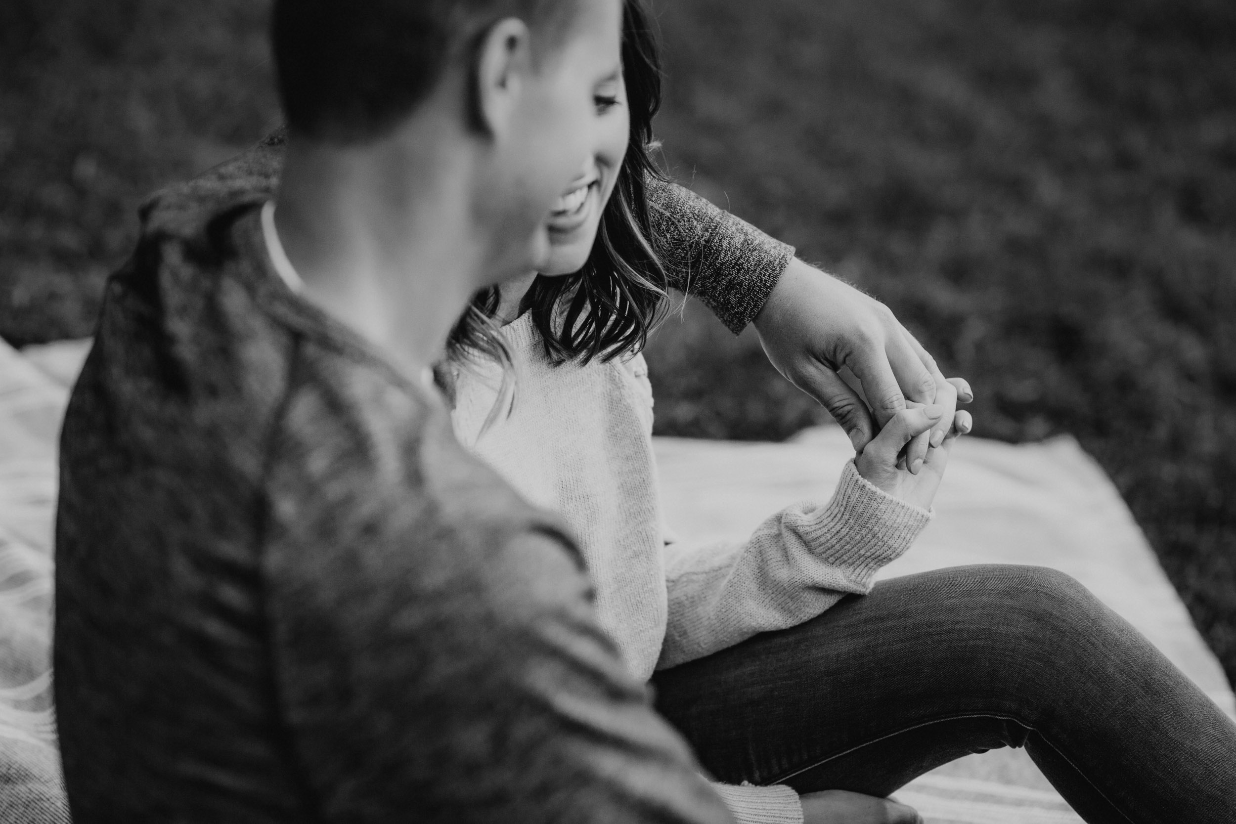 3-best candid minneapolis engagement session photographers.jpg