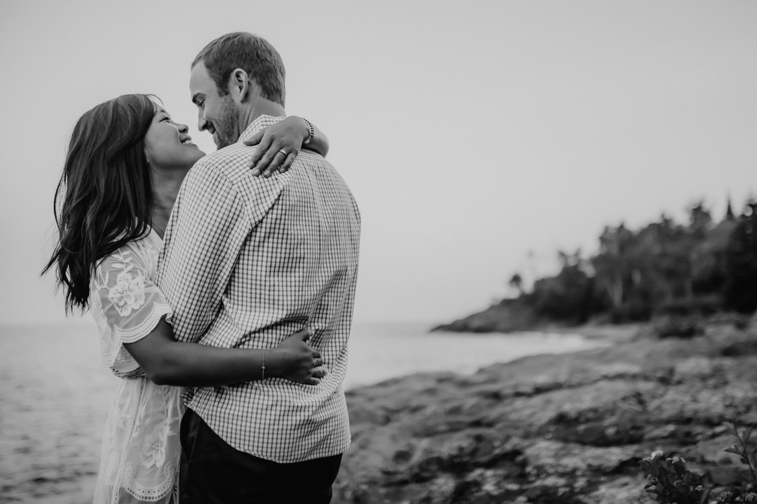 27-north shore minnesota engagement session photographers.jpg