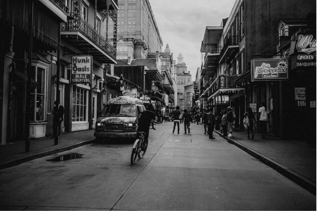 18_new orleans destination weddig photographer-23_photographer_destination_wedding_street_bourbon_orleans_documentary_new.jpg