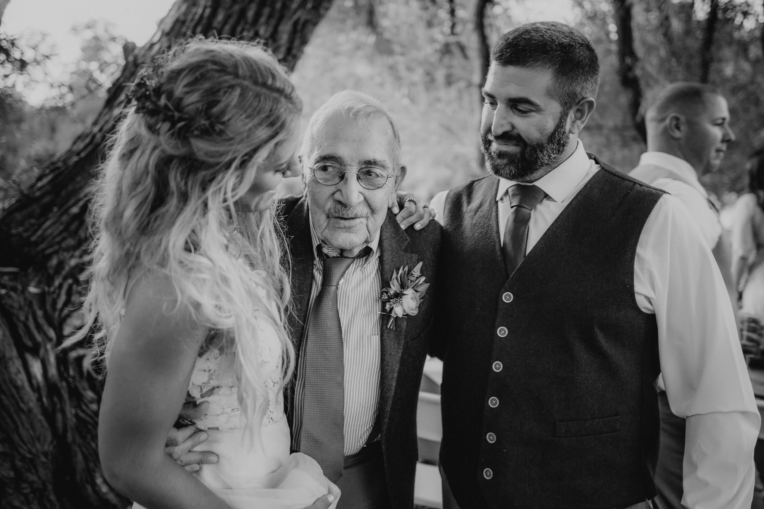 13-minneapolis candid documentary wedding photographers-7.jpg