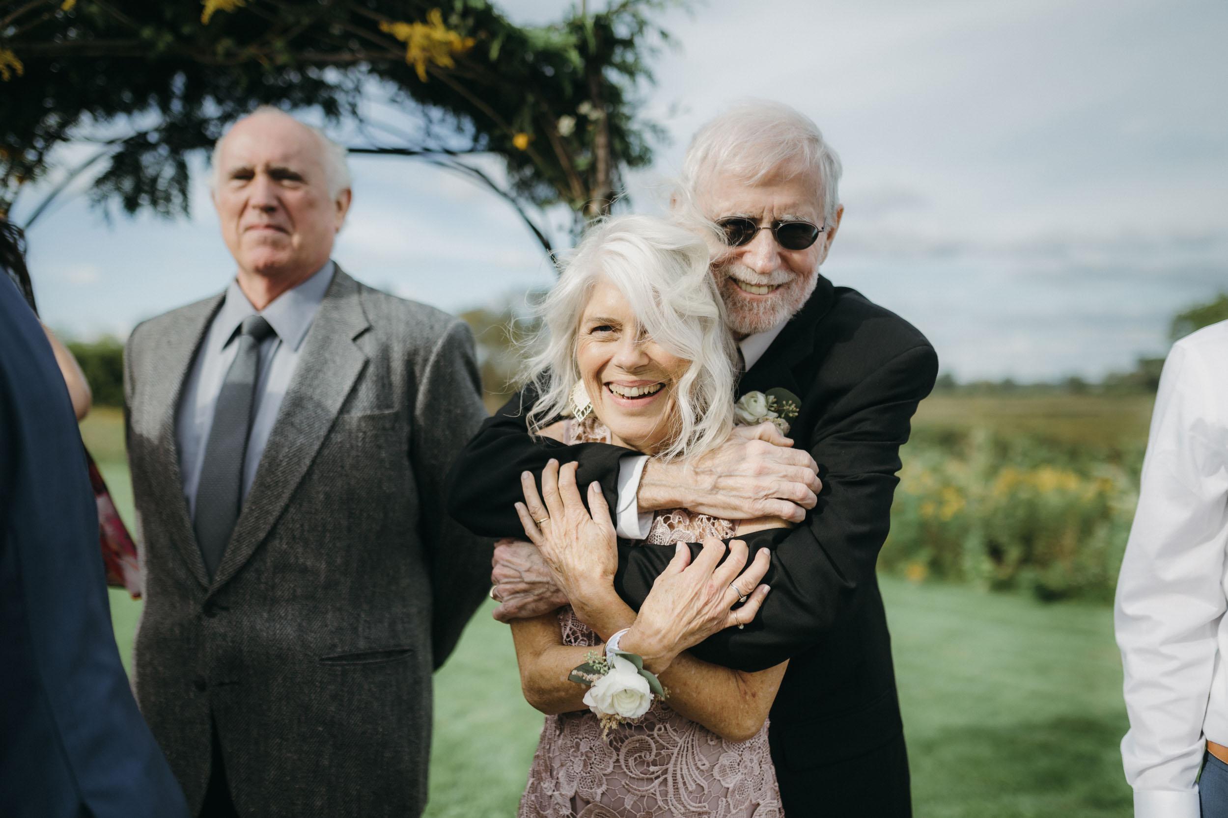 19-minneapolis candid outdoor documentary wedding photographers-4.jpg