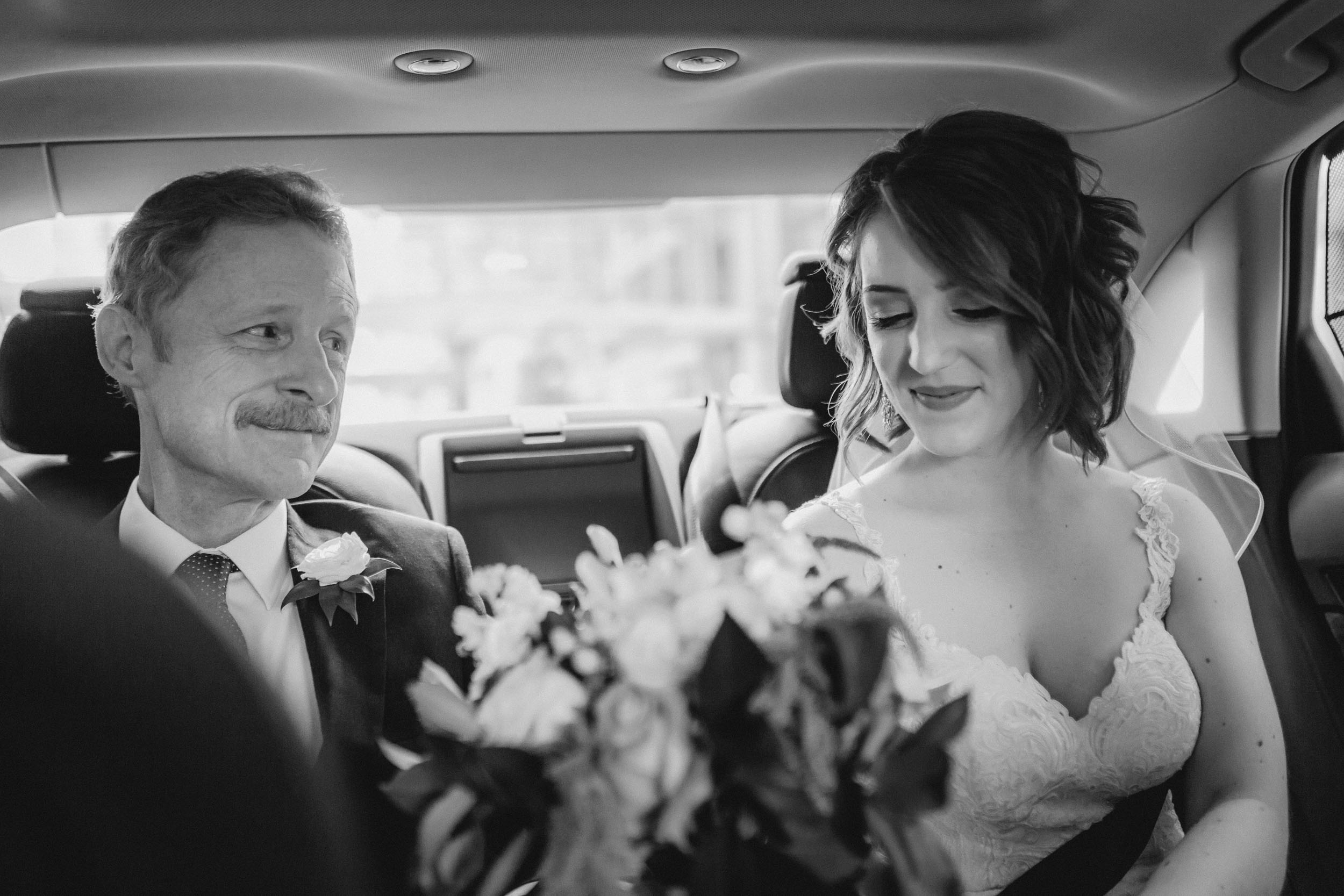 9-minneapolis candid documentary wedding photographers-5.jpg
