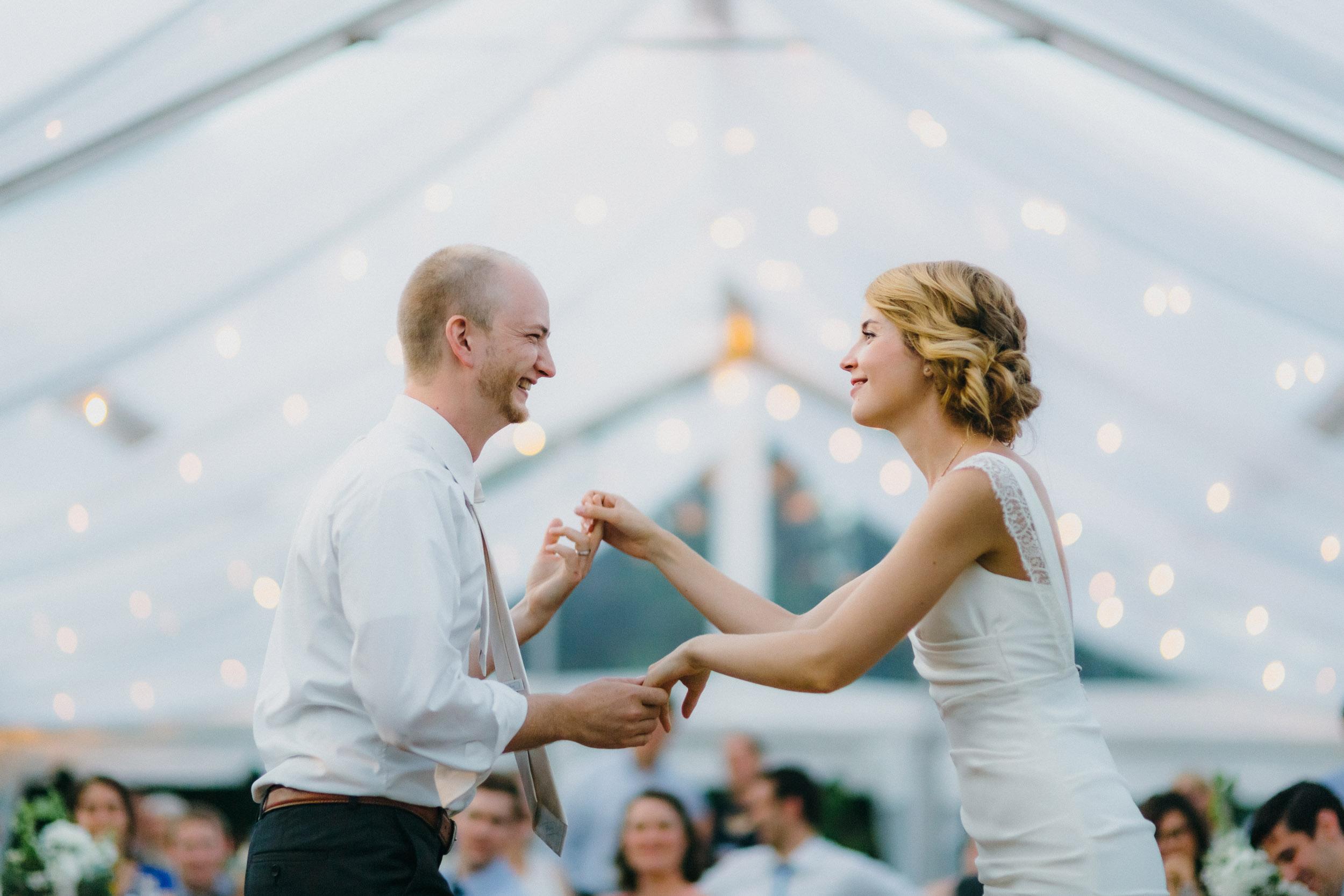 33-minneapolis backyard documentary wedding photographers-1.jpg
