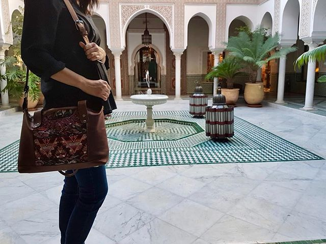 Happy holidays to you all from Marrakech ✨Only@chicabal_co #handbag #handmade #bag #womenbag #bohobag #travelbag #stylish #perfect #sustainablefashion #marrakech #morocco #travel #holidays #happyholidays