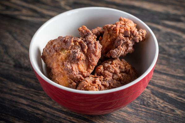 Split Rail - Nosh on delicious fried chicken, savory sides and Chicago's best vegan chicken strips.