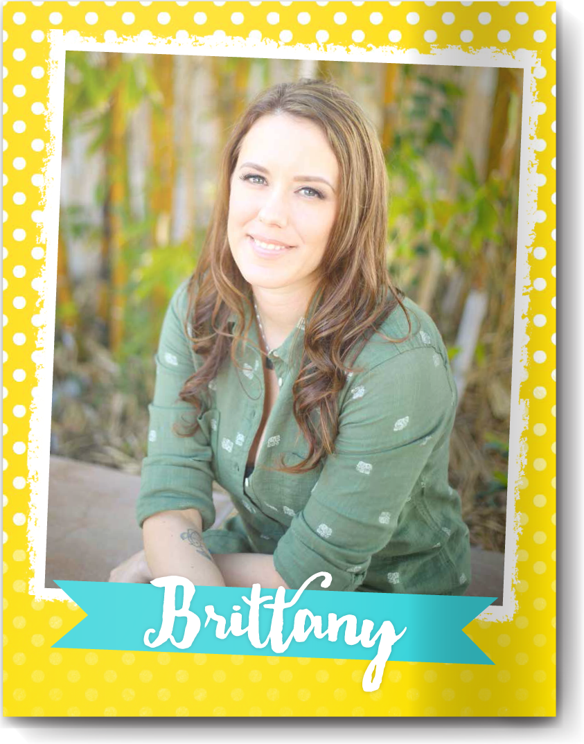 Cover page style 15 - The photo itself is fantastic, but it didn't completely tell her story. As a creative professional Brittany wanted her cover to shine with playful dots, bright colors and a super-fun font. It takes a great photo to stand up to bright colors and pattern, and hers sure does!