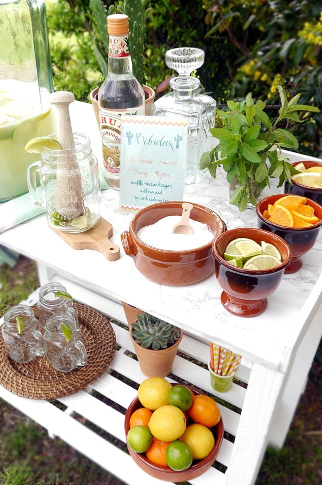 6 Trendy Summer Cocktail Bar Ideas for your Next Get-Together