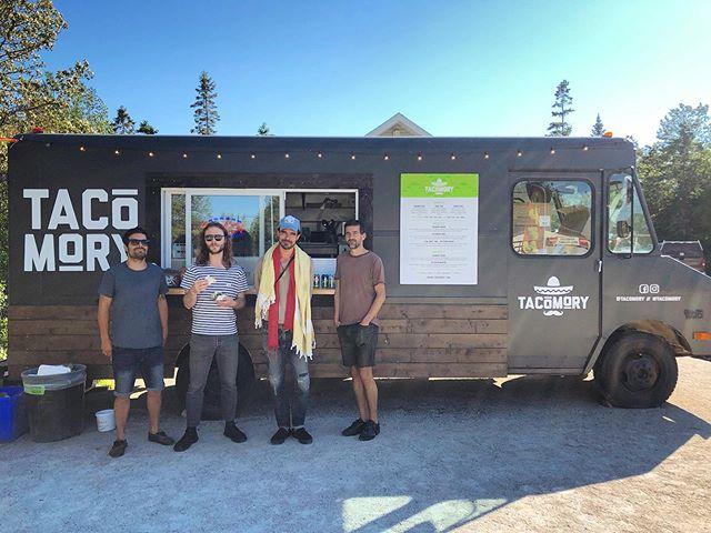 🙌 When one of your favourite bands stops in for tacos 🌮🌮@reubenandthedark @mschicheemaun  #tacomory #tobermory #brucepeninsula #reubenandthedark #explorethebruce #brucegreysimcoe #chicheemaun