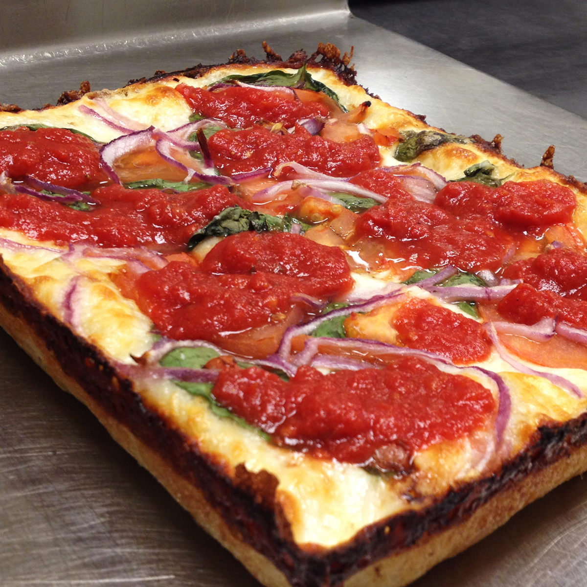 detroit-style-pizza-product1.png