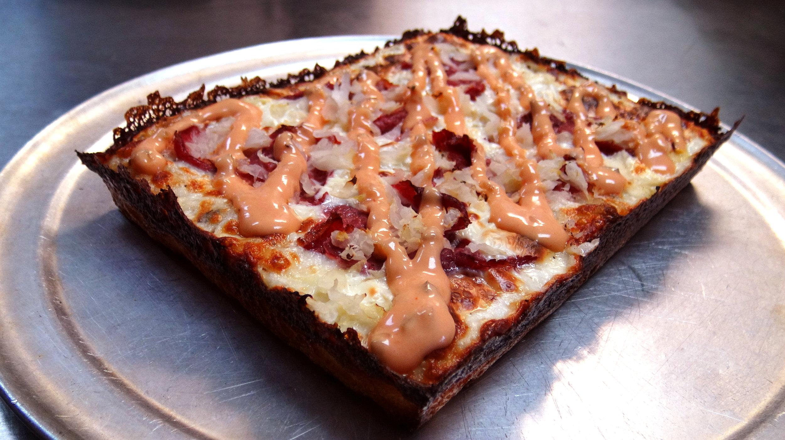 Reuben-pizza.jpg