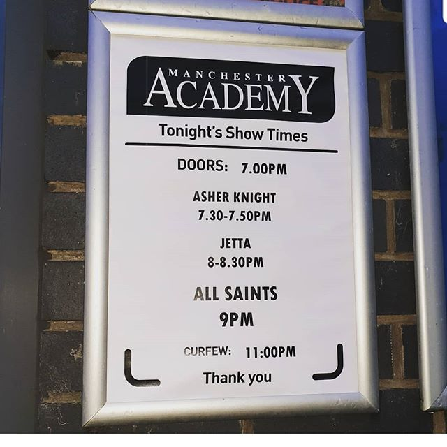 Doing hair for ALL SAINTS Girl Band!  @allsaintsoffic  #allsaints #manchesteracademy #concert #hair #maisalonuk