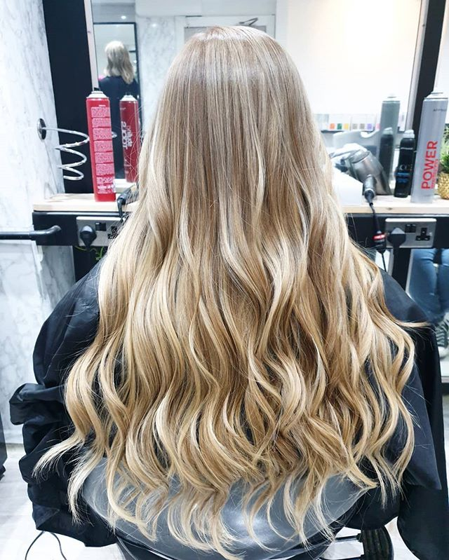 Balayage by Khanh. . . @maisalonuk . . #balayageombre #balayage #longhair #blondehair #haircolouring #hairstyles #hair #manchestersalon #maisalonuk #waveshair