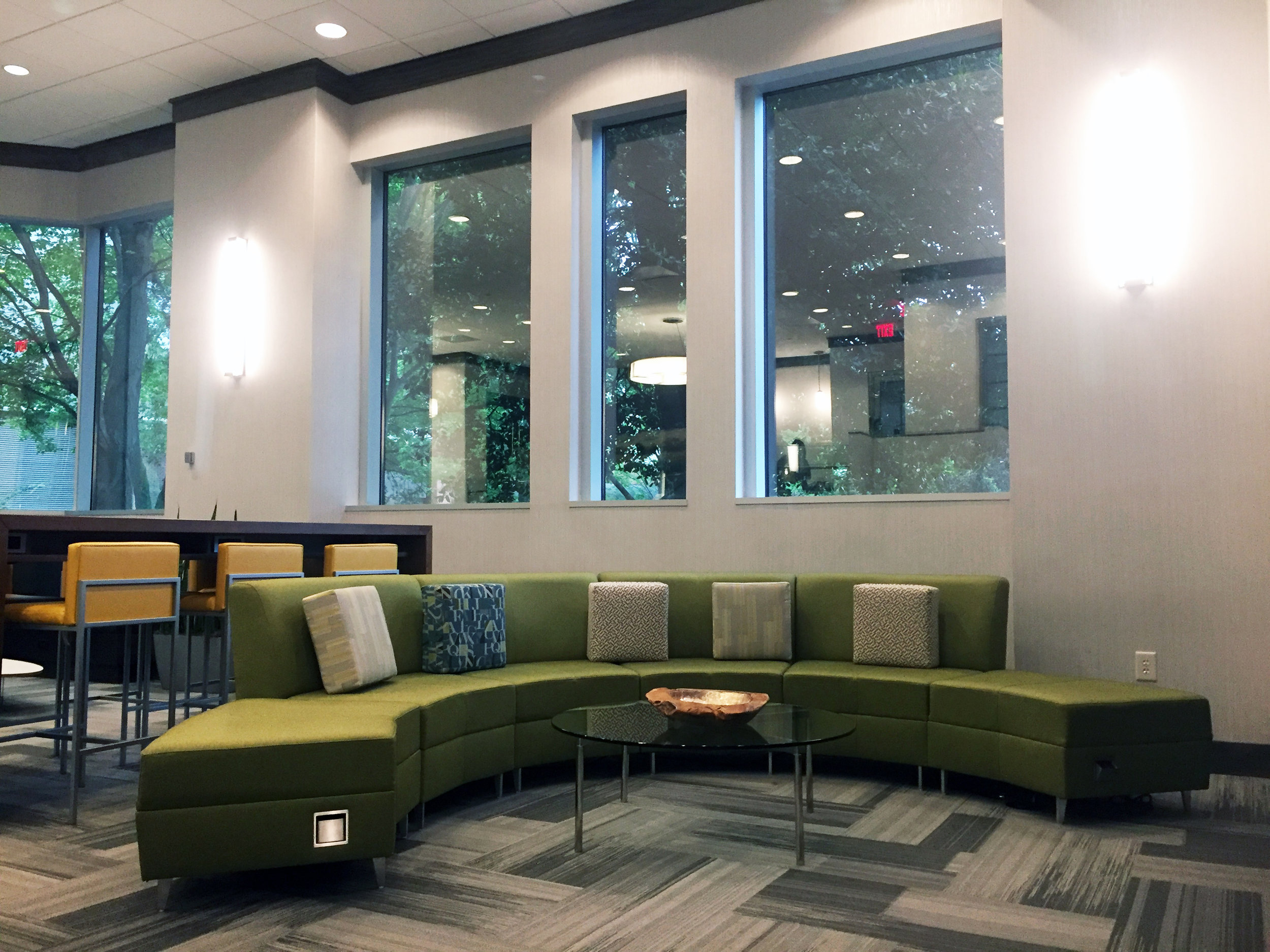 Complimentary Tenant Lounge