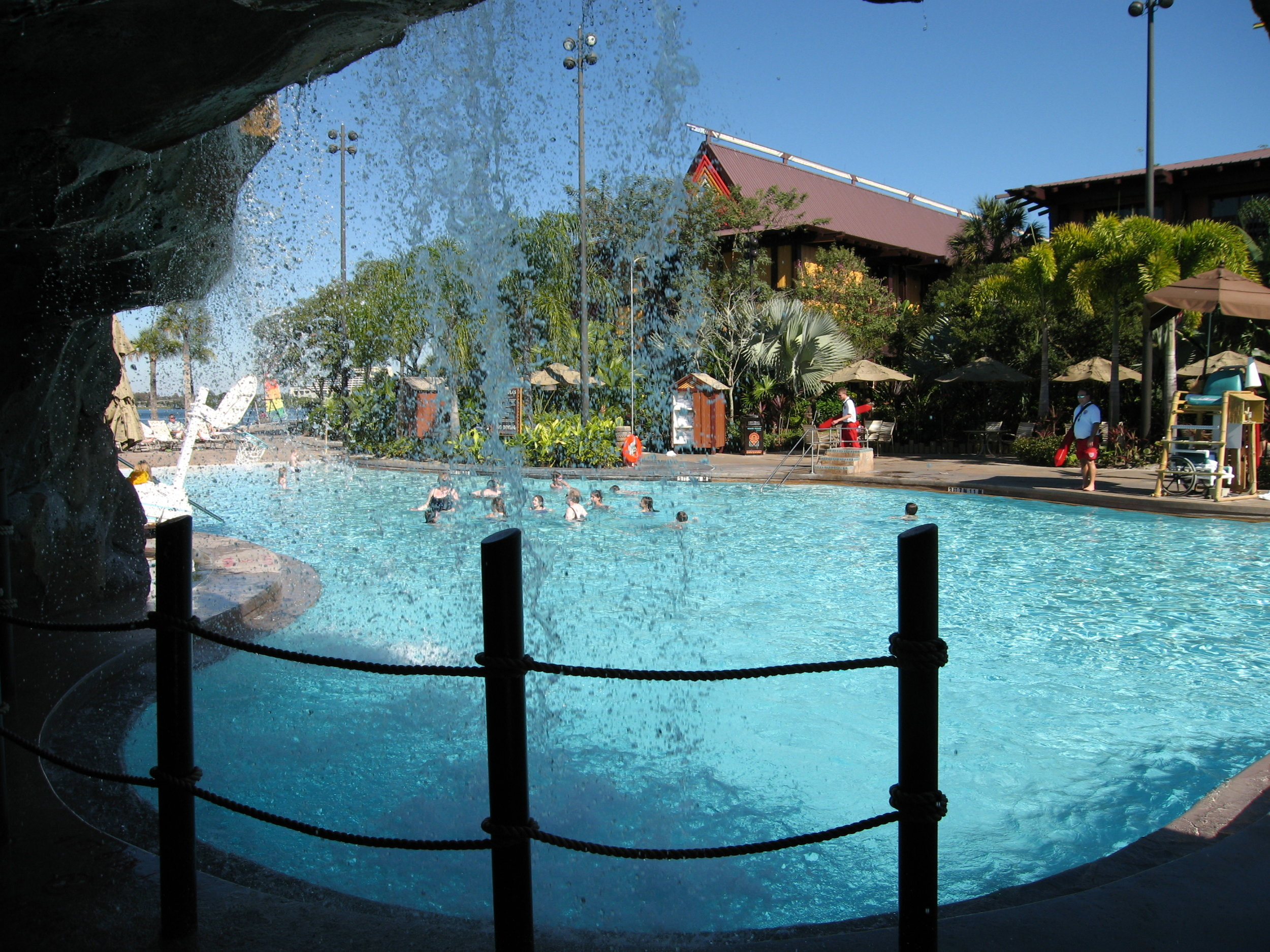 Disney's_Polynesian_Resort;_Pool.JPG