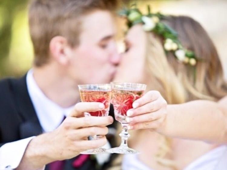Cany & Tay Kissing.jpg