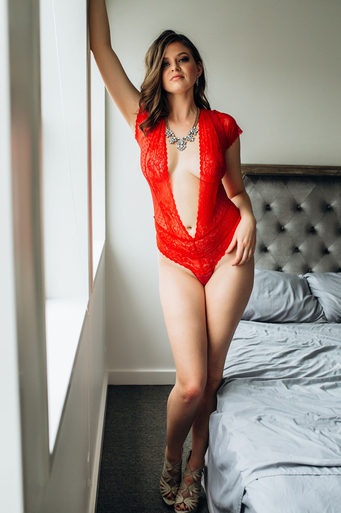 sexy_boudoir_photoshoot_red_lingerie_statment_jewelry.jpg