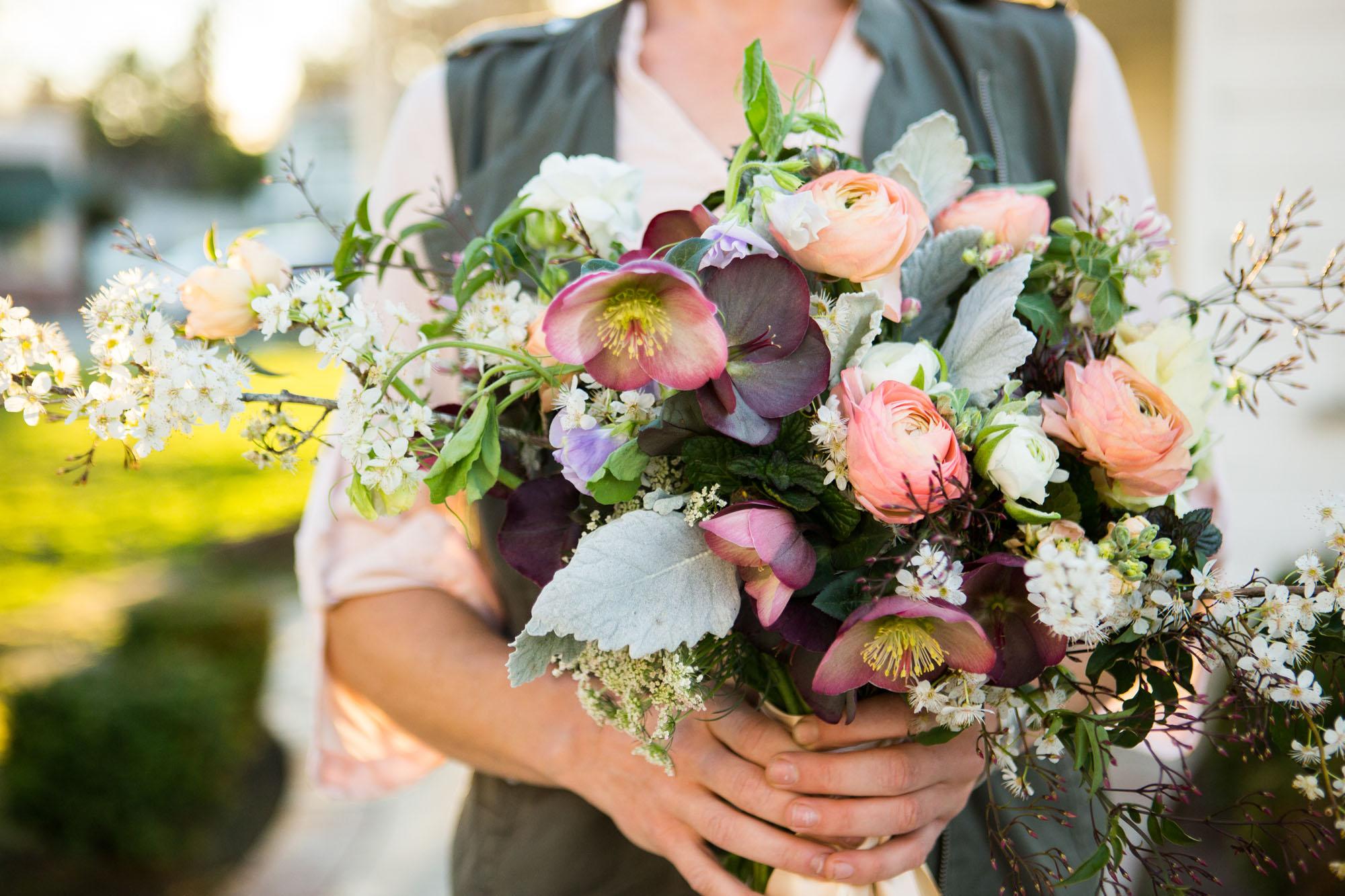 FlowersbyCarra-bouquet-branding-photos.jpg