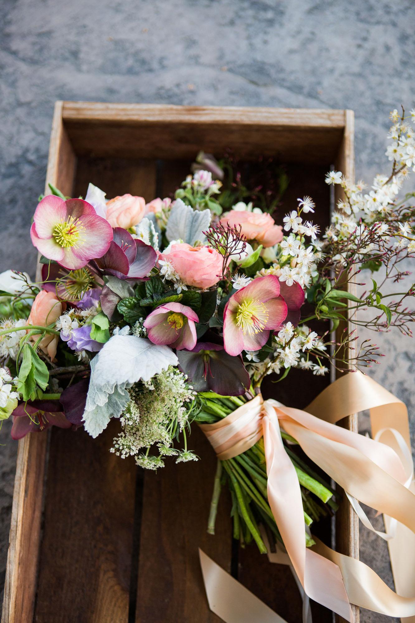 FlowersbyCarra-bouquet-florist-branding.jpg