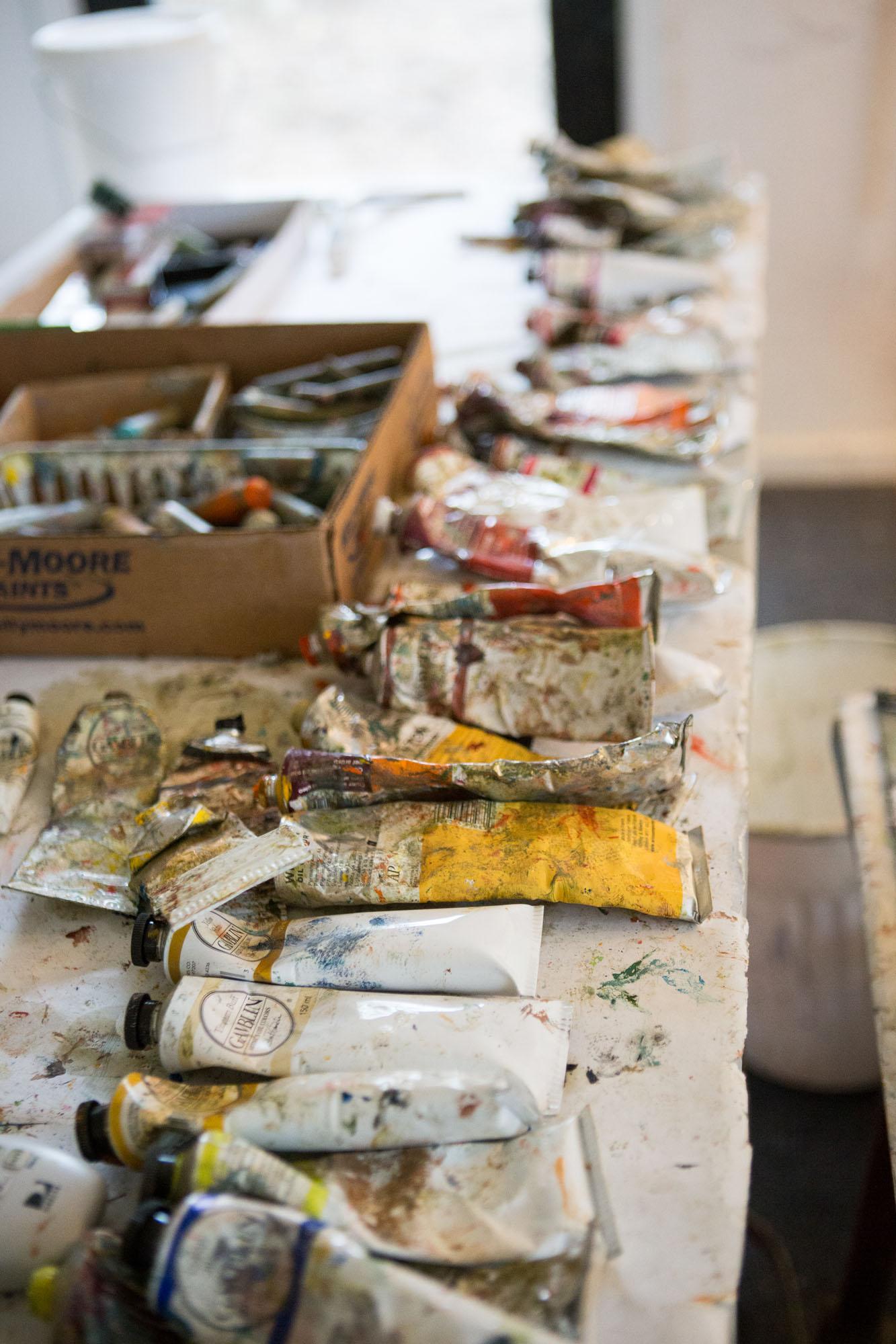 Linda-Christensen-artist-studio-branding-photos-oil-painter01.jpg