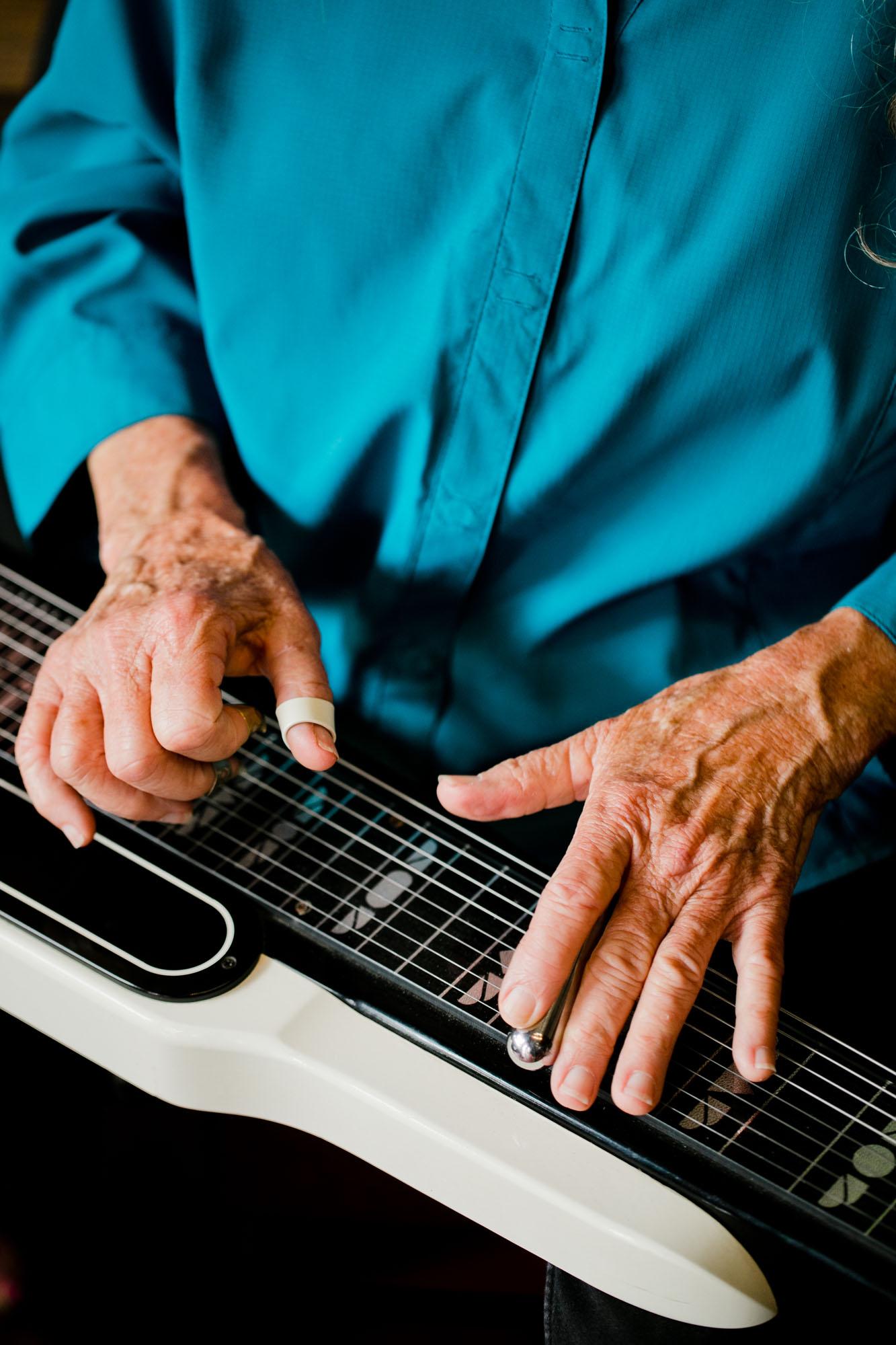PattiMaxine-mandolin_musician_branding.jpg