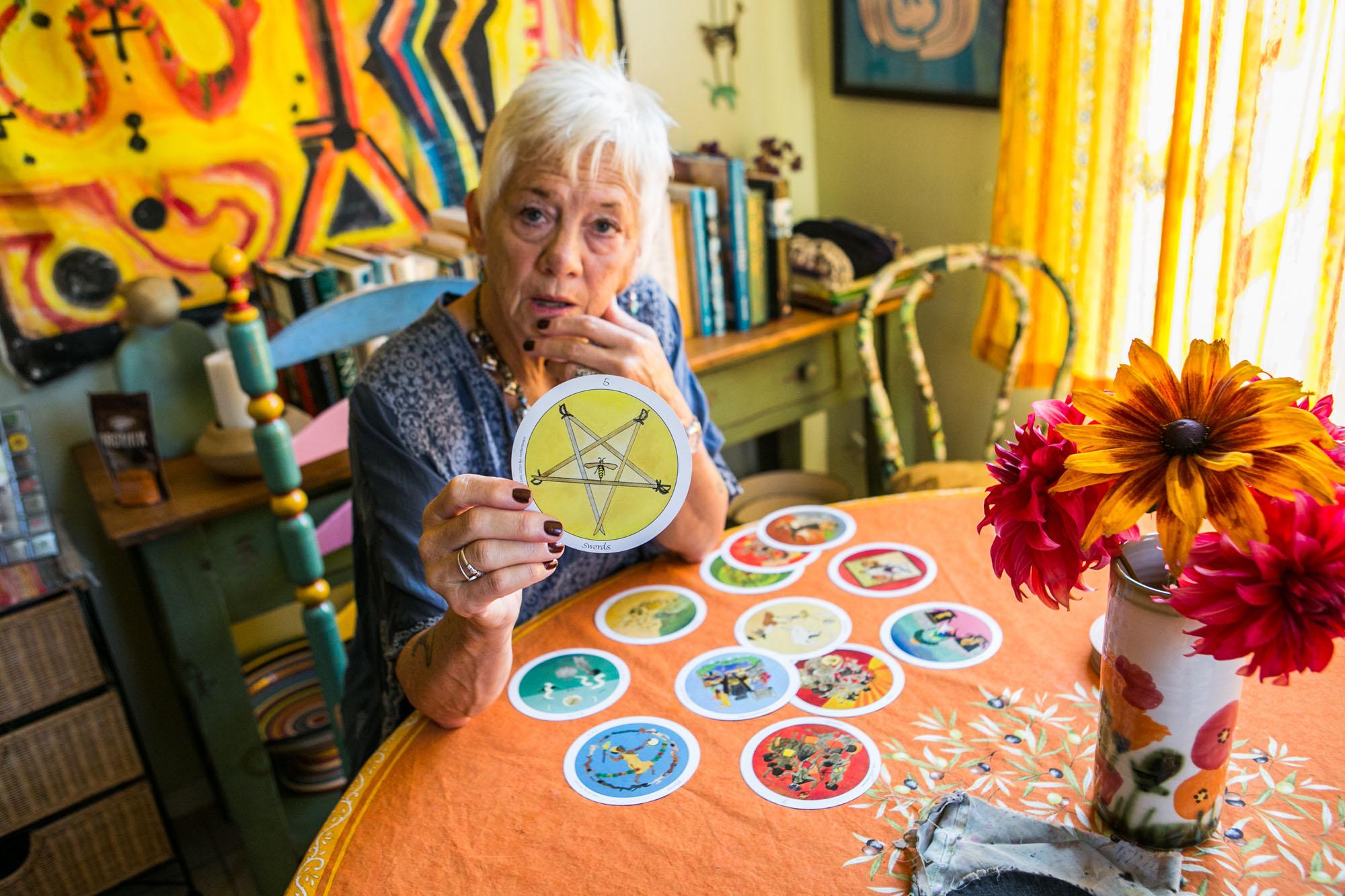 VickiNoble-tarot-card-reading-branding-photos.jpg