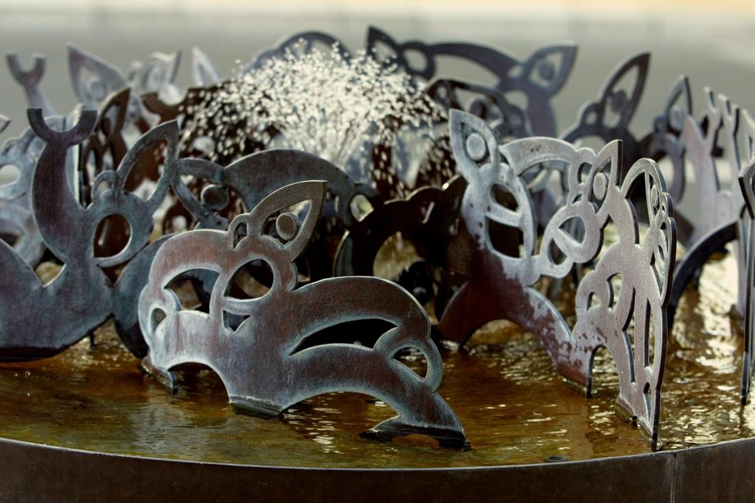 The Haukunui Sculpture by Jacob Scott, Ricks Terstappen and William Jameson