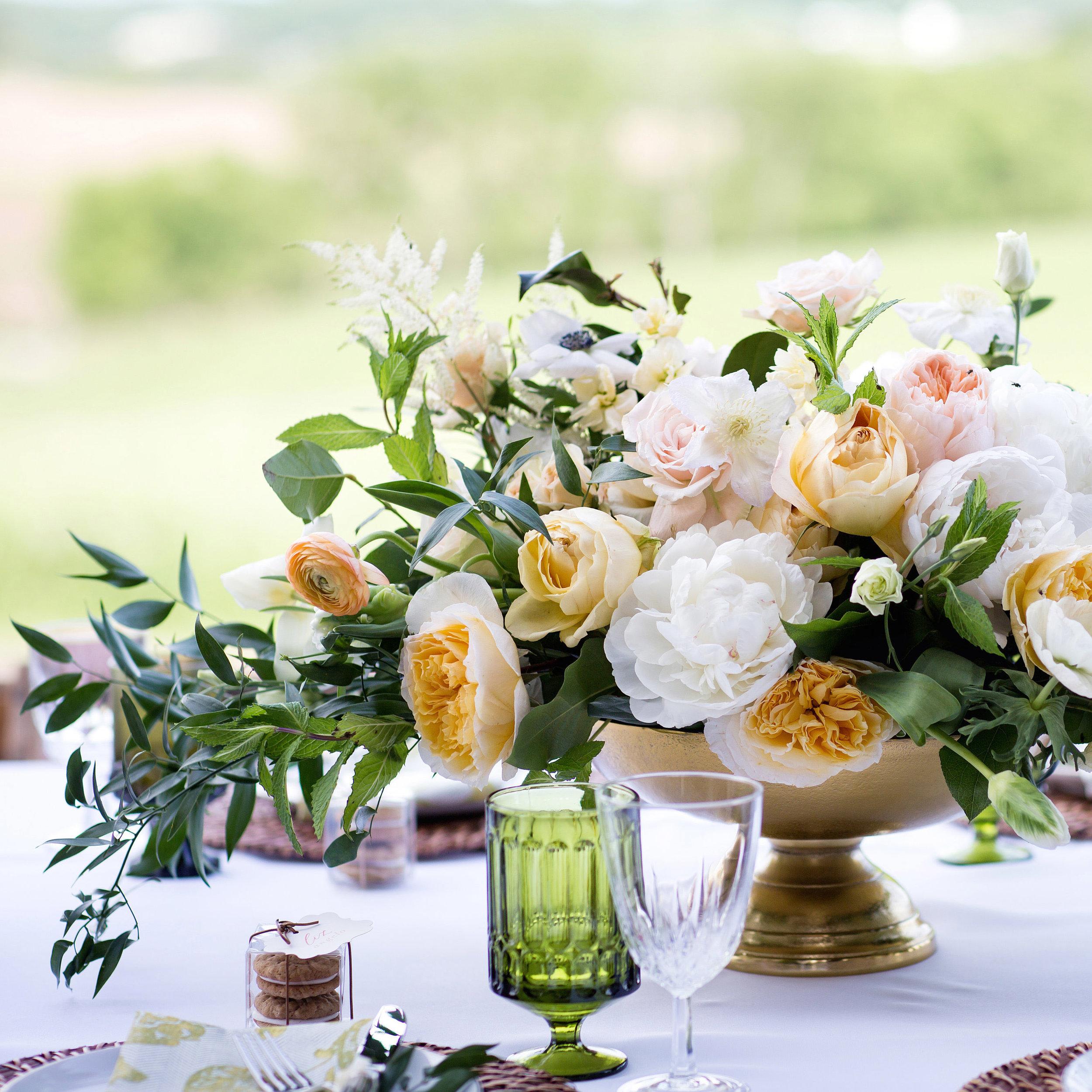 Farm Wedding Inspiration   Weddings By Hannah Styled Shoot