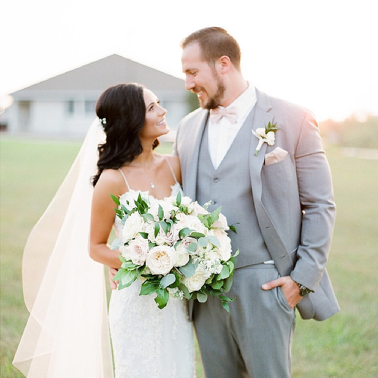 Whimsically Wed   Glamorous Outdoor Wedding