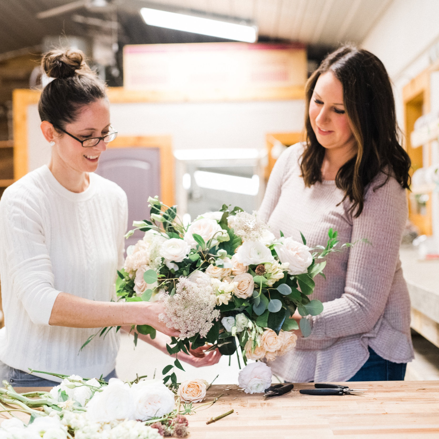 Schedule a consult! - We will be offering short individual floral and coordination consultations before and after the Open House!Click here to schedule a meeting! Photo: Lininger Rood Photo