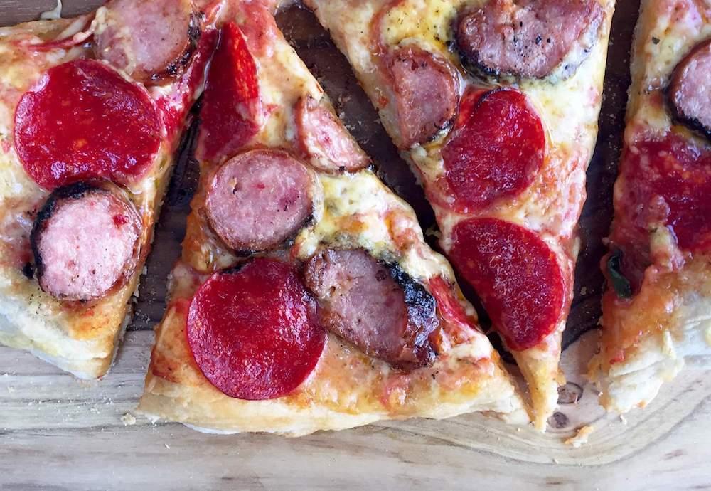pizza-carnes-frias-horno-receta-facil