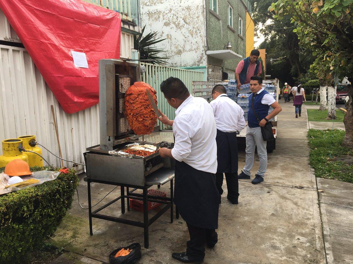 cdmx_10 favoritos 07 restaurante solidario pastores.jpeg