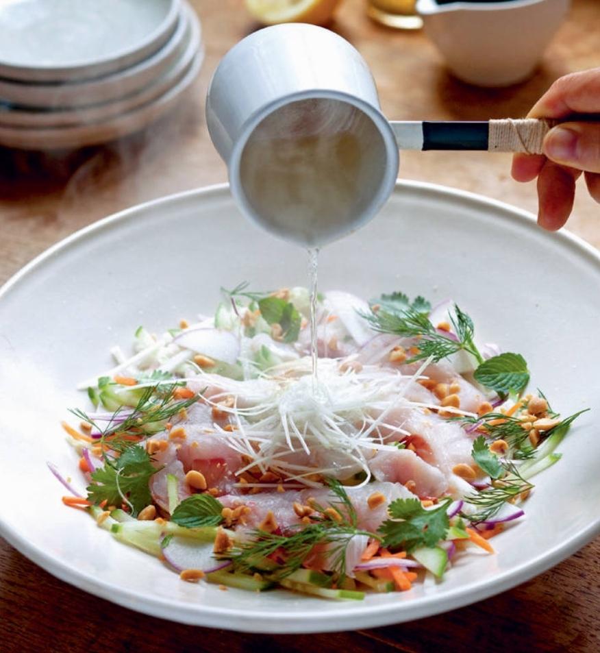 hojasana_recetas-japon+ensalada+de+sashimi+lubina+01.jpg