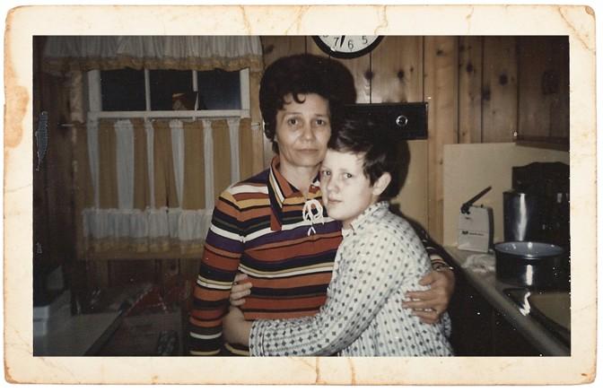 Tomlinson con su mamá