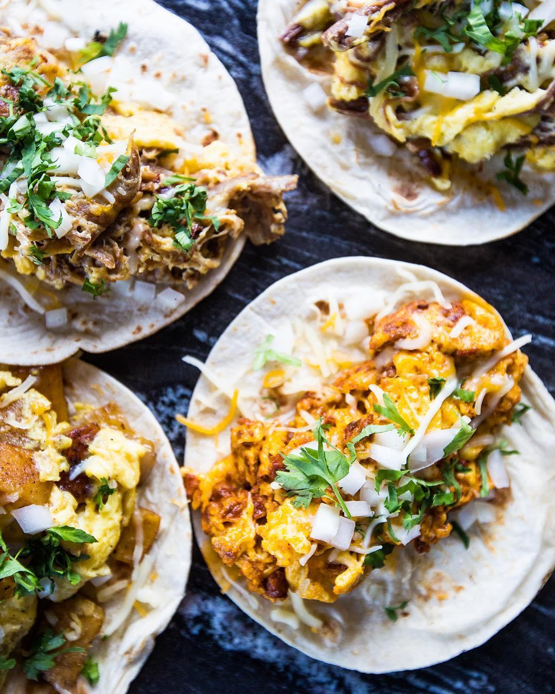 Más breakfast tacos © presentcompanyhtx / instagram