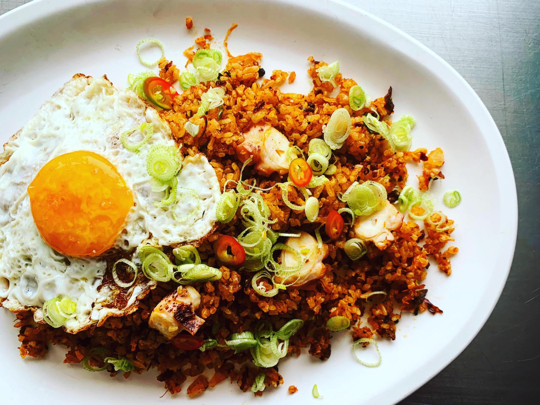 05162019_bombasdeumami-arroz con machaca y kimchi.jpg